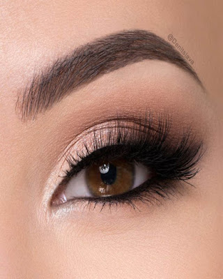 This makeup is perfect to look elegant and glamorous