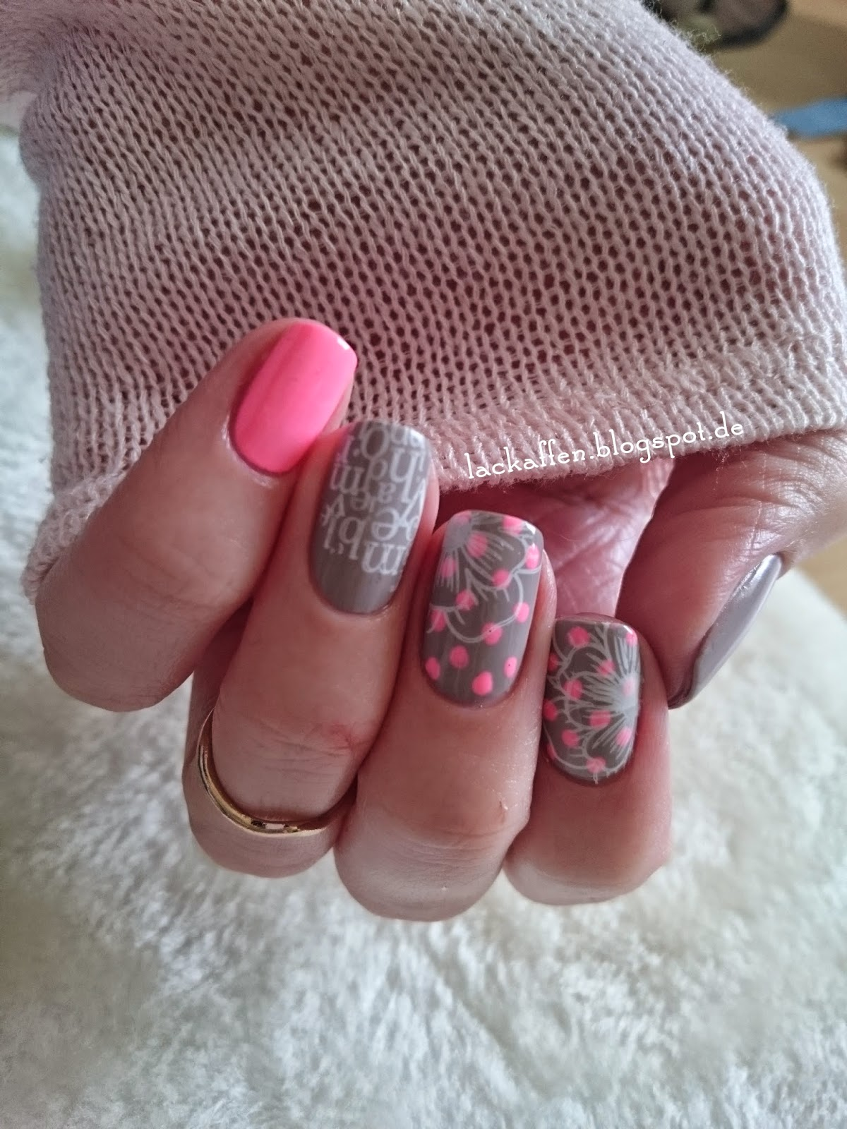 Lackaffen Pink Graue Skitte Nails