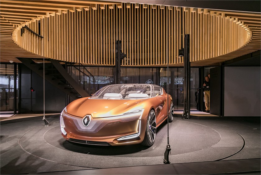 The Auto Advisor Group Renault Shows Off Electric Symbioz Concept