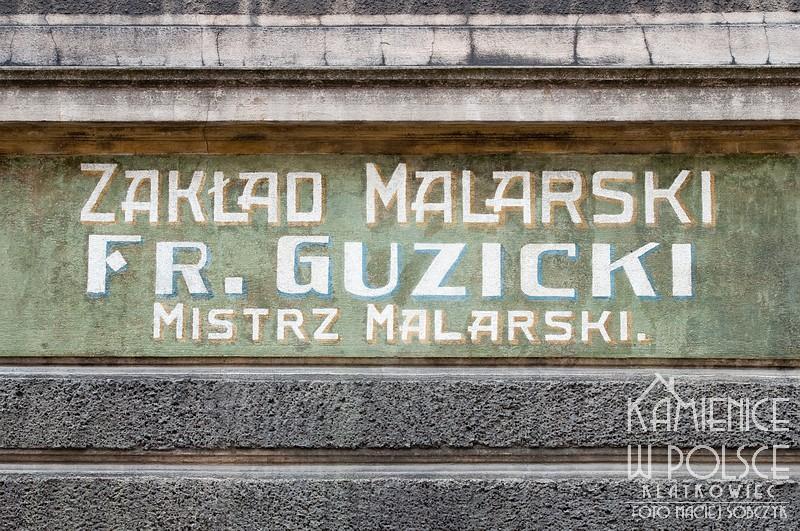Toruń. Renowacja starej reklamy. Zakład Malarski Guzicki.