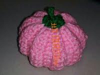 アクリル糸で編むカラフルかぼちゃはマルチに使える,Colorful pumpkin knitted with acrylic thread can be used for multiple purposes,丙烯线编织的彩色南瓜有多种用途