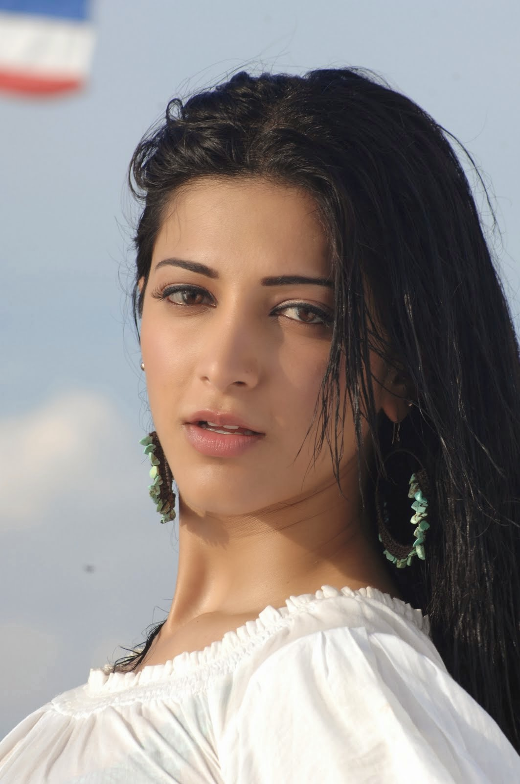 High Quality Bollywood Celebrity Pictures Shruti Hassan -5476