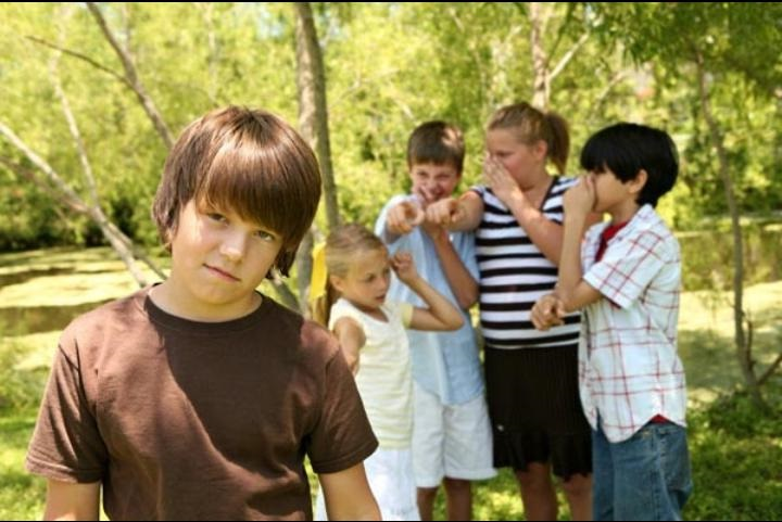 أفضل طريقة للتعامل مع ضغط الأقران لدى المراهقين