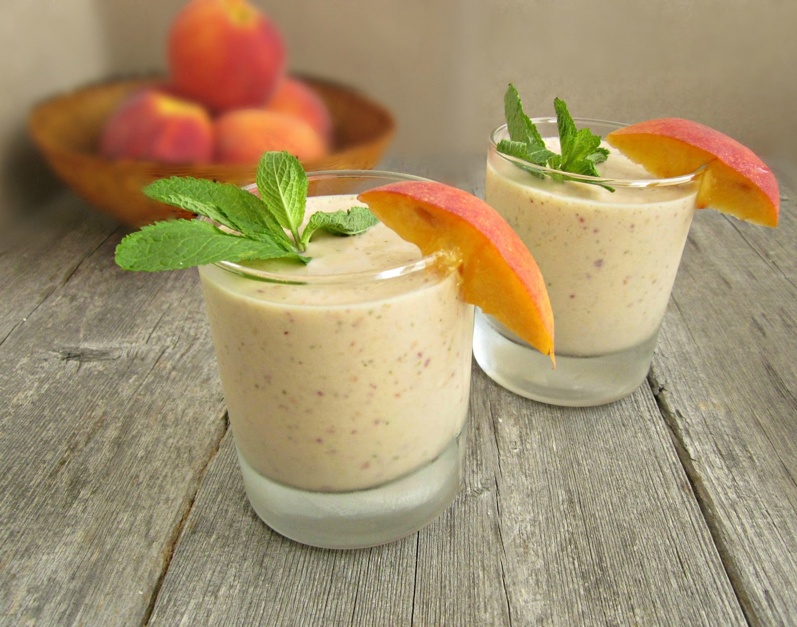 Hungry Couple: Peach and Banana Smoothie