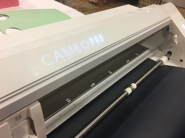 "20"" silhouette cameo pro, cameo 4, cameo 4 pro, cutting mat, roll feeder"
