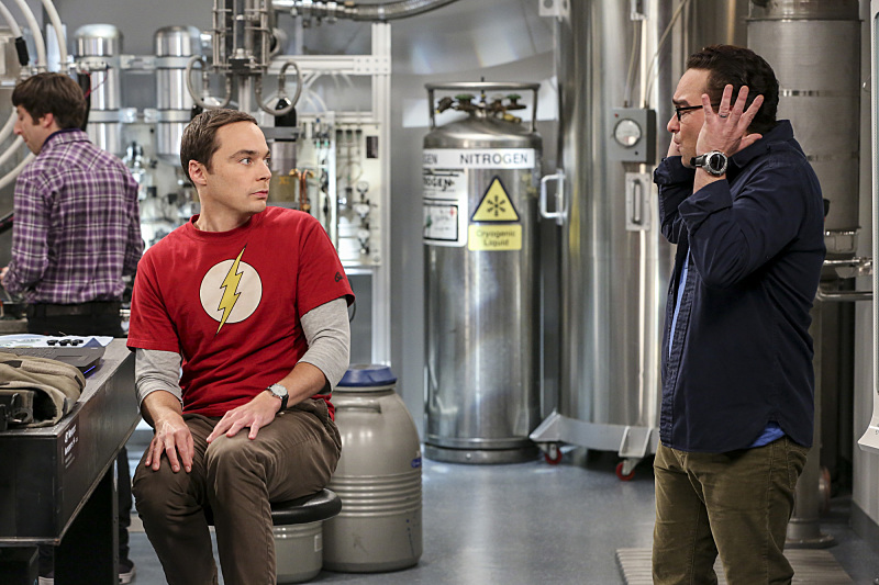 The Big Bang Theory 10x03 Sheldon volviendo loco a Leonard