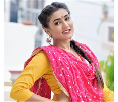 Tiktoker Gima Ashi Beautiful Photos in Yellow Dress