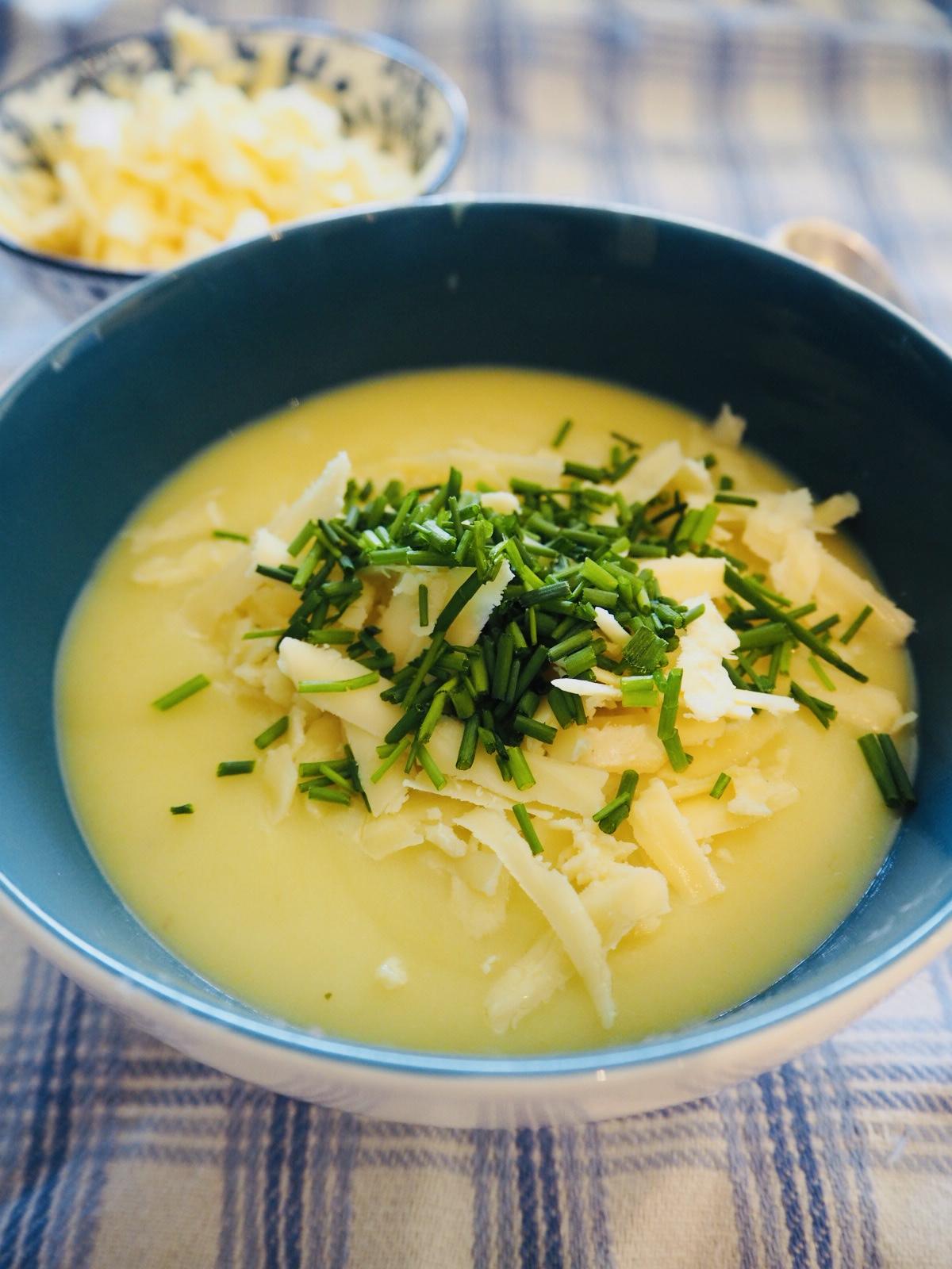 Zupa ziemniaczano porowa – łatwy przepis