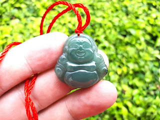 Liontin Batu Jadeite Jade Type A JDT020 Carving Maitreya Origin Burma