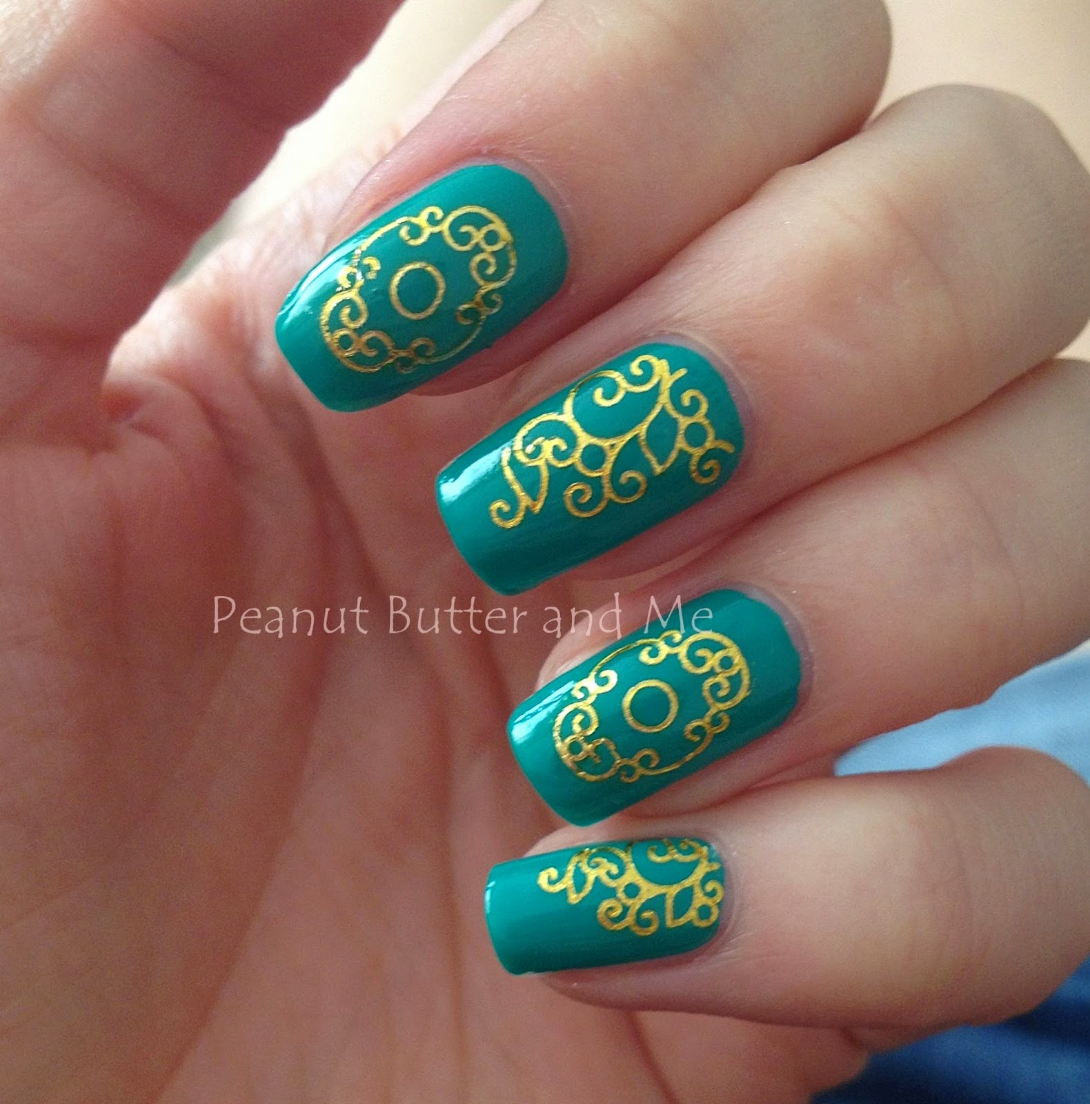 Amio Water Nail Decal Gold Lace Model: C097Gold