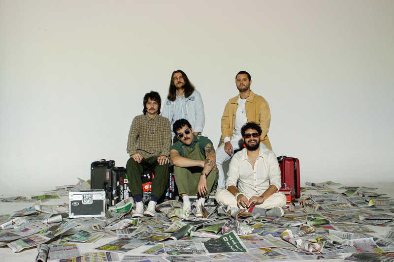 """Sexta-feira, dia 24, a banda mineira Daparte lançou o clipe de """"Seu Endereço"""" e prepara os fãs para a chegada do seu próximo álbum """"Fugadoce"""", previsto para a segunda quinzena de outubro."""