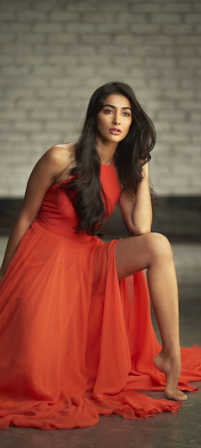 Pooja Hegde Mobile Wallpapers for Micromax In 1 Phone Navel Queens