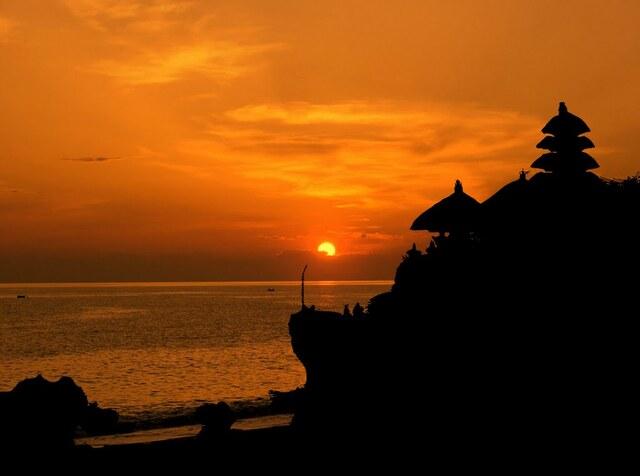 Traveling to Tanah Lot Bali