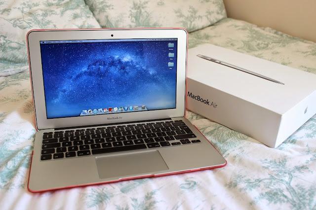 Apple MacBook Air 11-inch Blog Pink Case