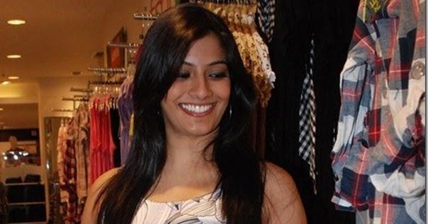 Sarathkumar Daughter Varalakshmi Hot Exposing Pic