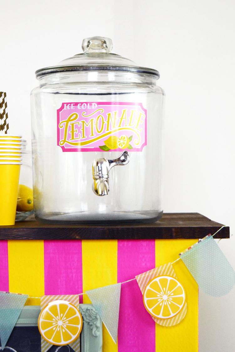 diy lemonade stand at silhouette blog