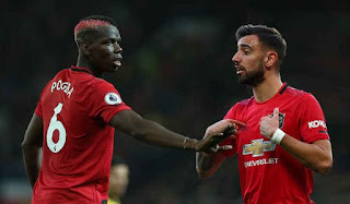 Bruno Fernandes and Paul Pogba's Man United injury scare hands Chelsea and Spurs top four boost
