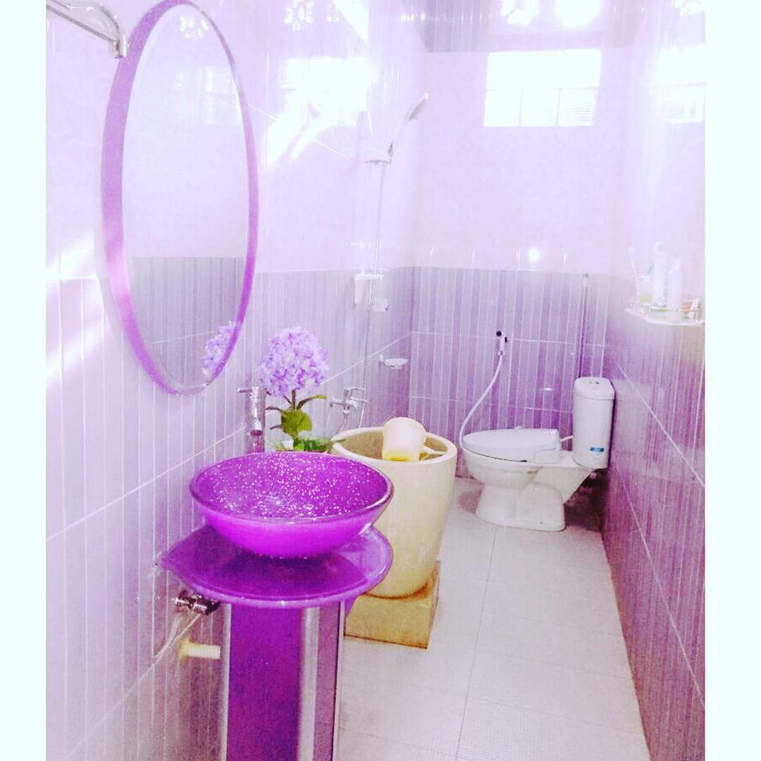 Ide Dekorasi Kamar Mandi Dengan Bak Mandi Bali Yang Unik Dan Elegan Homeshabby Com Design Home Plans Home Decorating And Interior Design
