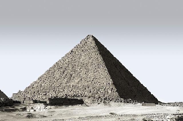 Misteri Yang Mengejutkan dari Piramida Giza