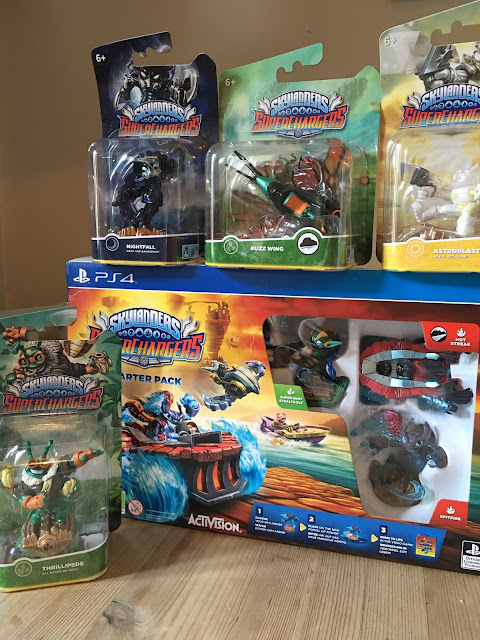 Skylanders Superchargers Starter Set for PS4