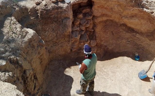 Νεμέα: Νέα ταφικά μνημεία στο μυκηναϊκό νεκροταφείο των Αηδονίων...!