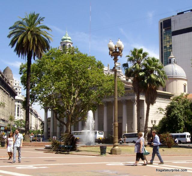 Catedral de Buenos Aires vista da Praça de Maio