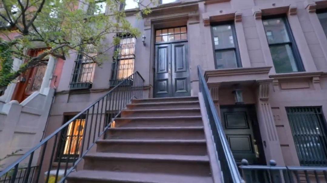 11 Interior Design Photos vs. 124 E 93rd St, New York, NY Luxury Home Tour