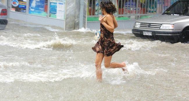 Θεσσαλονίκη: Πολλές περιοχές χωρίς ρεύμα και σήμερα -Σοβαρές ζημιές σε τρεις υποσταθμούς