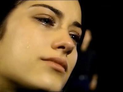 Image result for wanita menangis