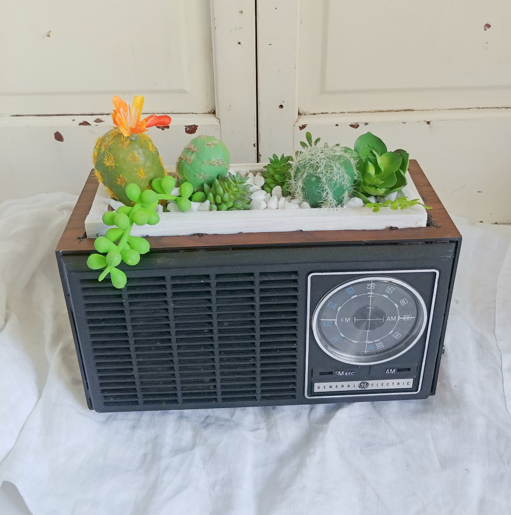 Upcycled vintage radio