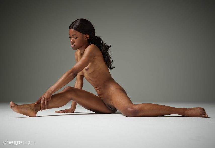 [Hegre-Art] Loli K - First Time Nude Modelling 684987