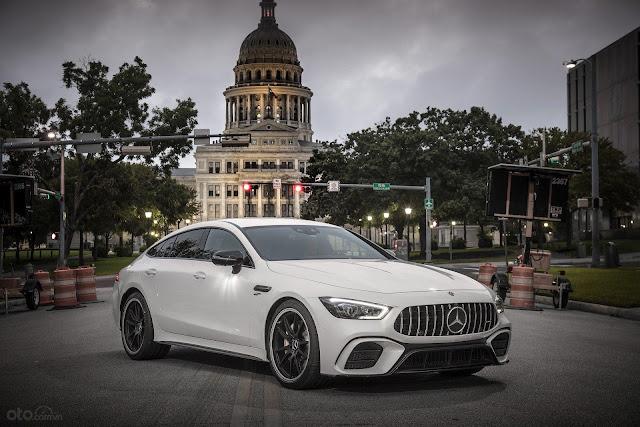 Mercedes-AMG GT 53 Coupe bản khởi điểm có giá gần 2,3 tỉ đồng