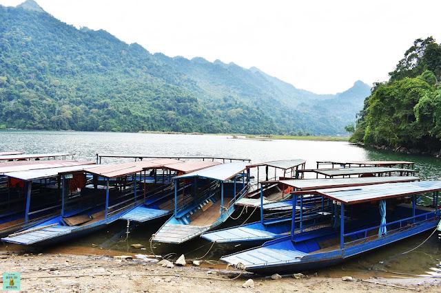Embarcadero del lago Ba Be, Vietnam