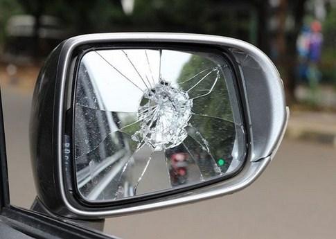 Cara Baru Memperbaiki Kaca Spion Mobil Elektrik dan Biasa Yang Rusak, Patah, Atau Pecah