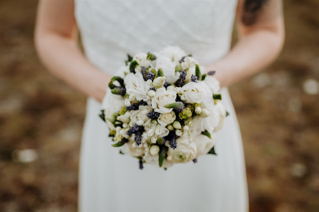 bridal bouquet, Mountain wedding, Berghochzeit, destination wedding Bavaria, Wallgau, photo credit Magnus Winterholler Gipfelliebe, wedding planner Uschi Glas 4 weddings & events