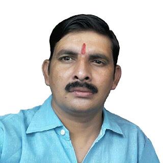 उरई जनपद जालौन उत्तर प्रदेश आज दिनांक 15.9.2020 को भाजपा समर्थक मंच के प्रति लगन व निष्ठा को देखते हुए राष्ट्रीय अध्यक्ष माननीय पुरुषोत्तम नारायण श्रीवास्तव के निर्देश पर प्रदेशाध्यक्ष श्री विनोद साहू के द्वारा कुलदीप मिश्रा को जनपद जालौन का जिलाध्यक्ष मनोनीत किया गया। जिस पर कुलदीप मिश्रा ने भाजपा समर्थक मंच के राष्ट्रीय अध्यक्ष माननीय पुरुषोत्तम नारायण श्रीवास्तव एवं प्रदेश अध्यक्ष विनोद साहू का आभार प्रकट करते हुए कहा कि यह हमारा सौभाग्य है कि जो राष्ट्रीय अध्यक्ष पुरुषोत्तम नारायण श्रीवास्तव ने जिला अध्यक्ष के काबिल समझा और यह पूर्ण आश्वासन दिलाना चाहता हूं कि उनके द्वारा जो भी दिशा निर्देश दिए जाएंगे उनको वह हर संभव स्थिति में पूरा करेंगे एवं साथ ही संगठन को मजबूती प्रदान कर उच्च शिखर पर ले जाने का पूरा प्रयास करेंगे। इसके अलावा कुलदीप मिश्रा ने यह भी कहा कि संगठन के विस्तार का कार्य जल्द ही पूरा किया जाएगा जिससे संगठन के उद्देश्यों को पूरा करने में सहायता मिले।  भाजपा समर्थक मंच के जिला अध्यक्ष मनोनीत हुए कुलदीप मिश्रा