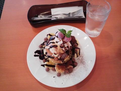 バースデーパンケーキ¥0-1 デニーズ高岳店