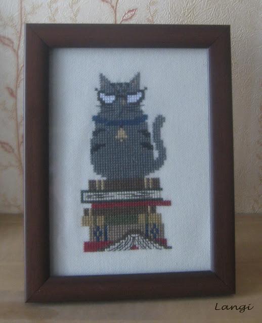 Кот-библиотекарь