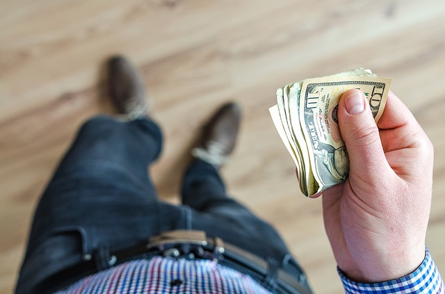 Earn Money From Apps - अपने मोबाइल फ़ोन से पैसे कमाएं