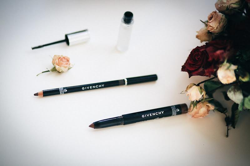 Водостойкий карандаш-крем для бровей EYEBROW COUTURE DEFINER