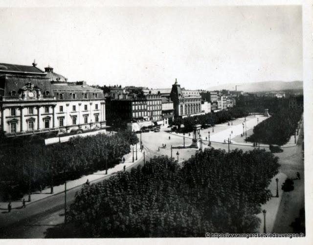 Photo ancienne de Clermont-Ferrand place de Jaude