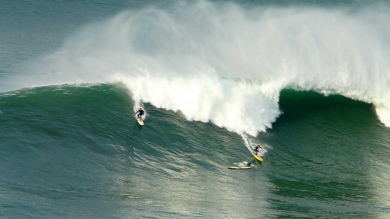 surf menakoz diciembre 2015 olas grandes 11