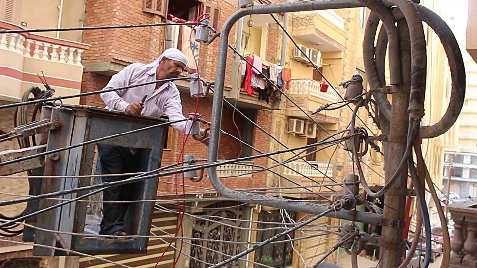 بأمر المحافظ..إزالة 13 دورًا مخالفًا ببرج سكني بشرق مدينة كفر الشيخ - (صور) 6