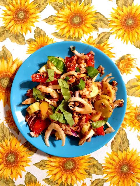 sałatka dla insulinoopornych,insulinooporność,sałatka fit,sałatka na lunch,lunch mix kupiec,wafle ryżowe,wafle kukurydziane,kupiec,z kuchni do kuchni najlepszy blog kulinarny