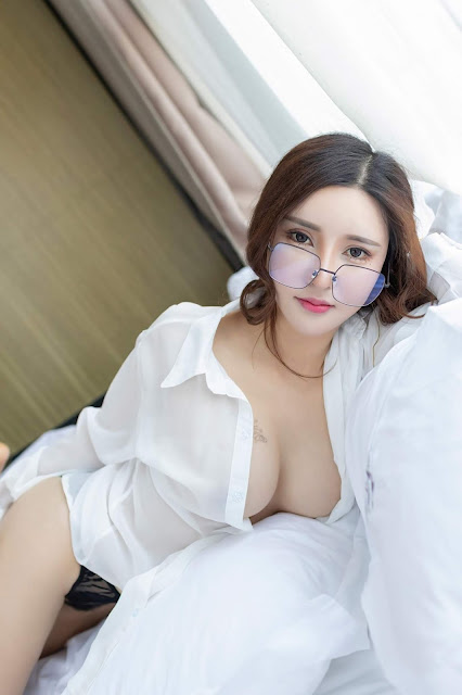 Hot and sexy braless big boobs photos of beautiful busty asian hottie chick Chinese booty model Ya Ya photo highlights on Pinays Finest Sexy Nude Photo Collection site.