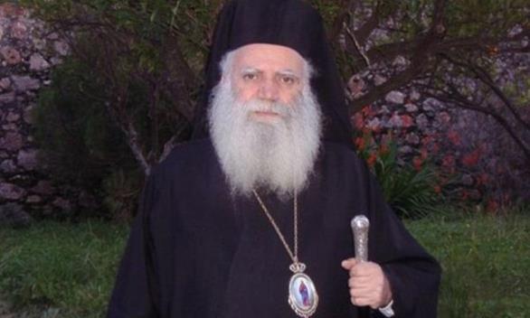 Ο Μητροπολίτης Κυθήρων αγνόησε την απαγόρευση και άνοιξε τις εκκλησίες