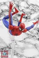 MAFEX Spider-Man (Peter B Parker) 32