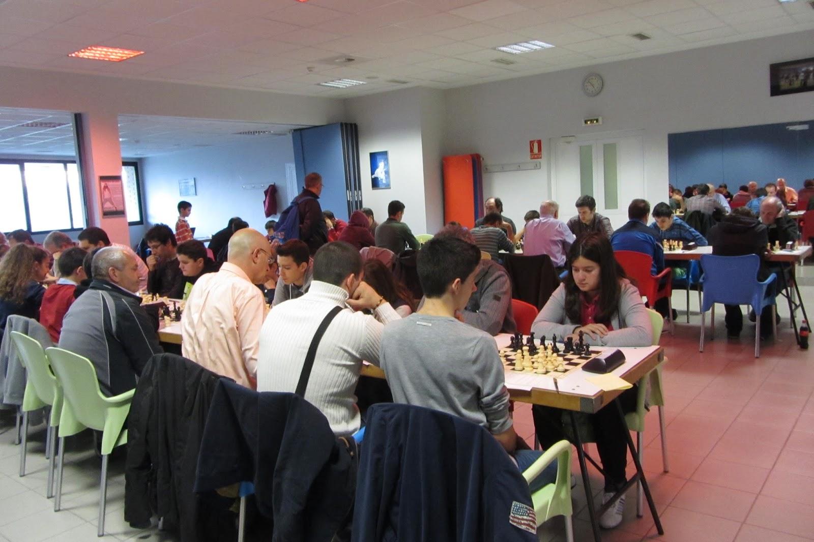 Sección de Ajedrez Oberena: Se reanuda el Torneo de Navidad y ...