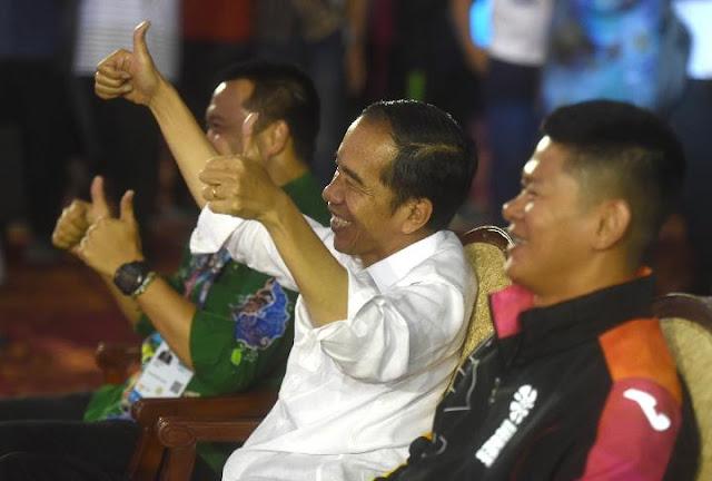 Beri Bonus Atlet Asian Para Games 2018, Jokowi Bercanda APBN