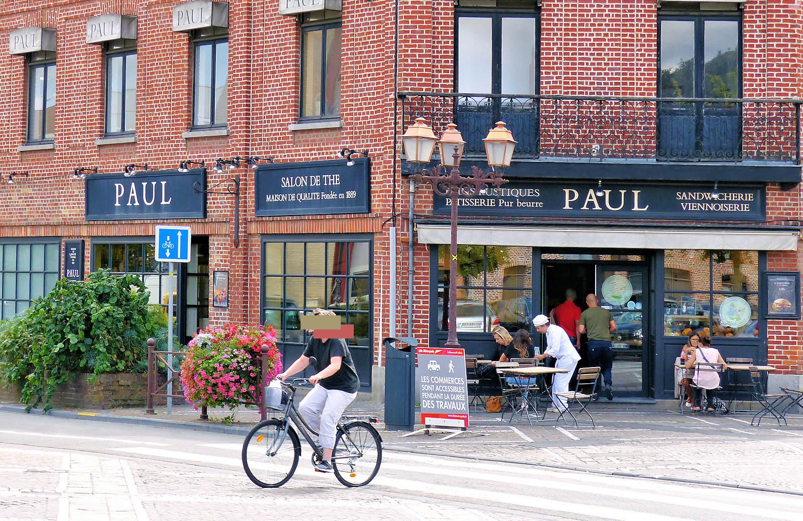 Boulangerie Paul, rue Saint-Jacques, Tourcoing centre.